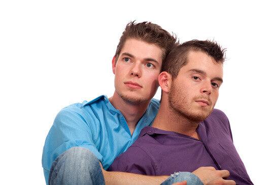 Gay-Dating Portale im Vergleich 01/ ▷ Wer ist seriös, wer zockt ab?