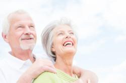 Senioren von 50 bis 65 bei der Partnersuche im Internet - So gehts